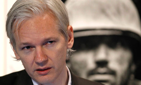 Hackers in azione per difendere wikileaks